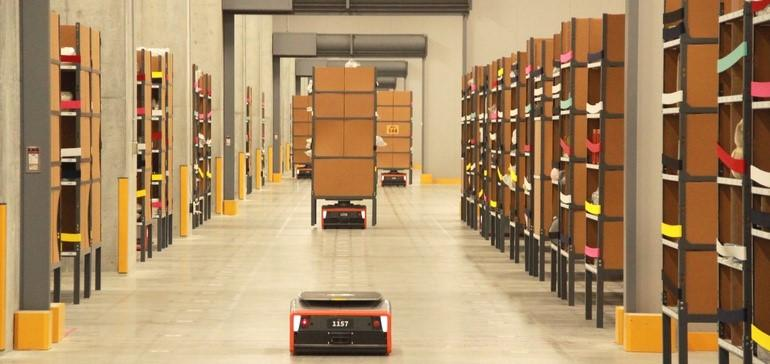 The Rise of Robots in Distribution Centers